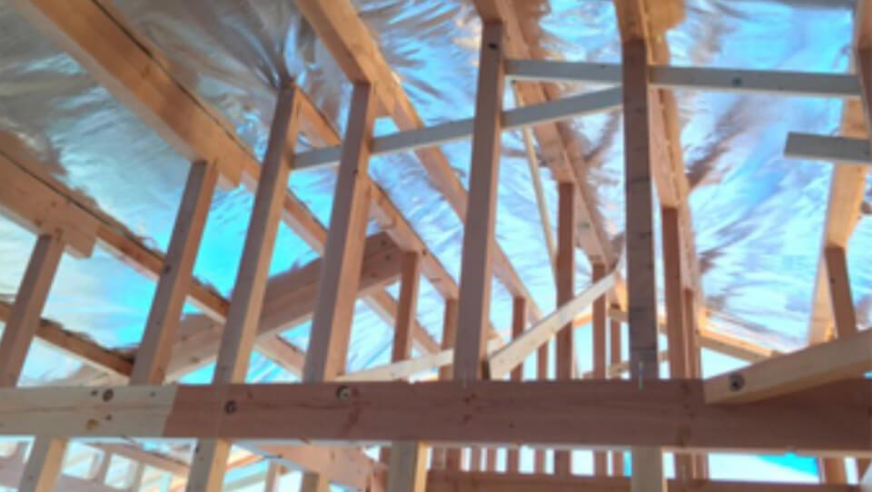 外気の影響と紫外線から家を守る遮熱材