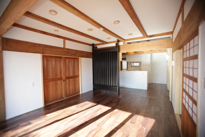 古い家の素材を活かしつつ導入した次世代空調システム「光冷暖」